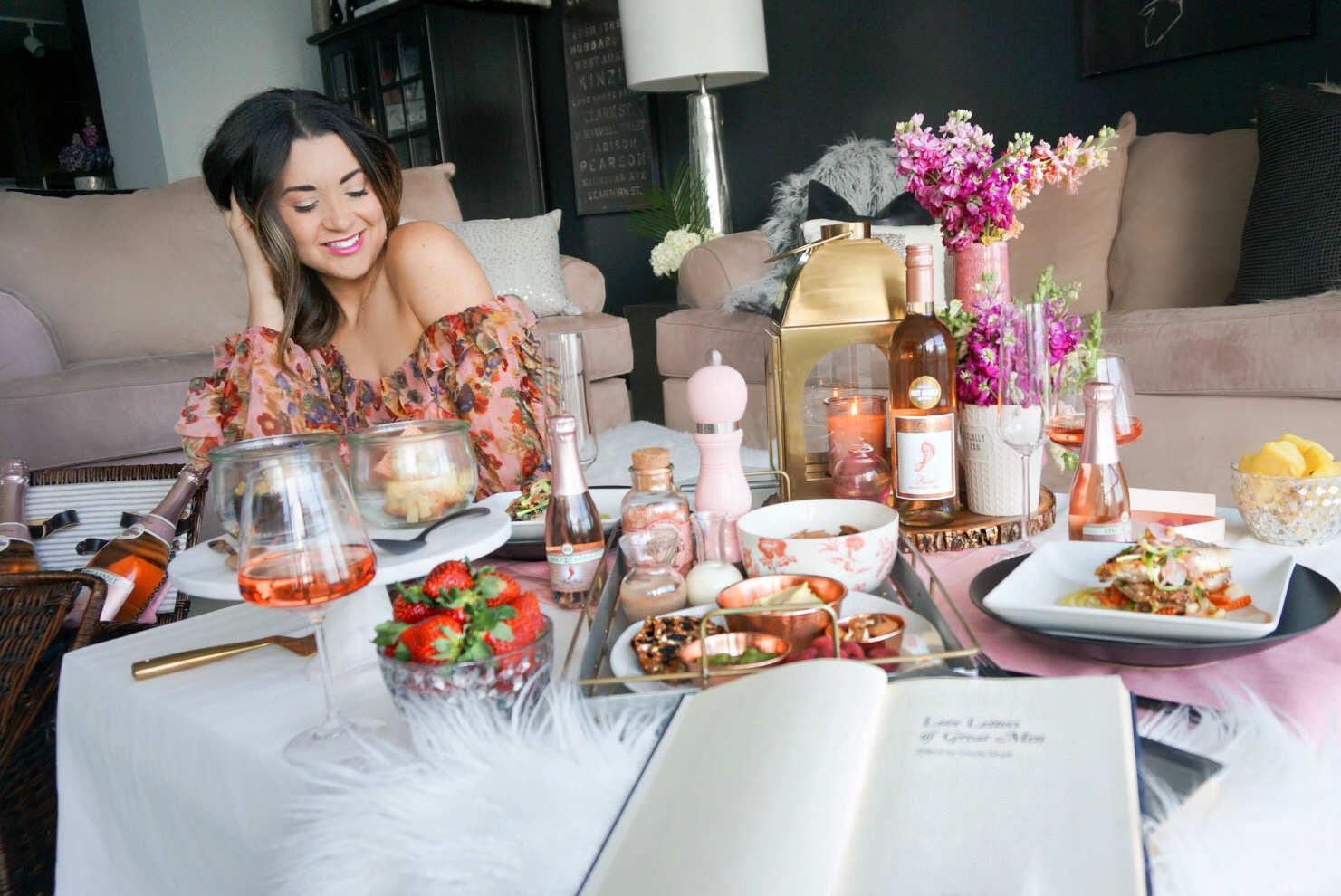 A Romantic Indoor Picnic Ideas and Living Room Setup for Valentine's Day