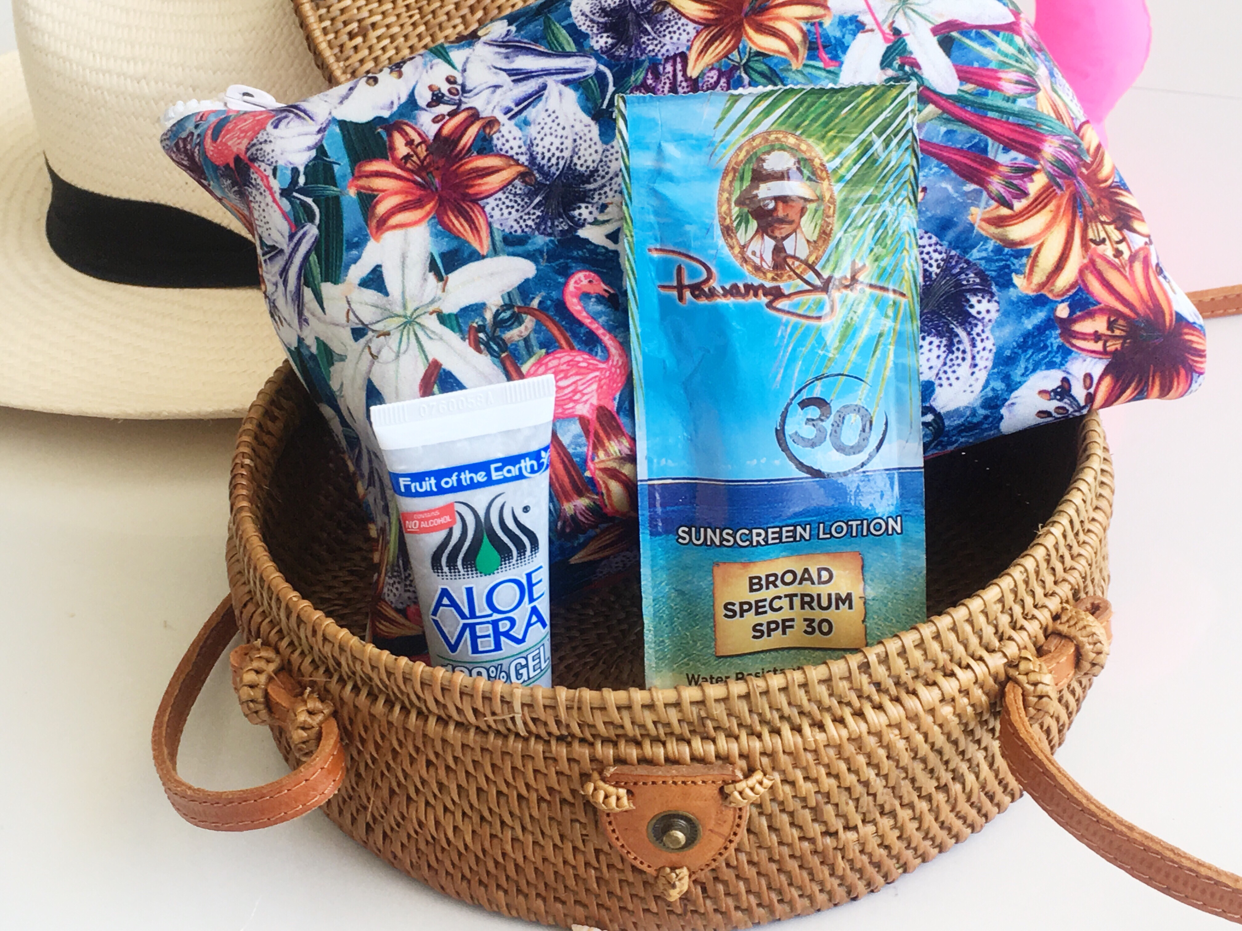 What to Pack in Your Handbag for a Beachside Day.